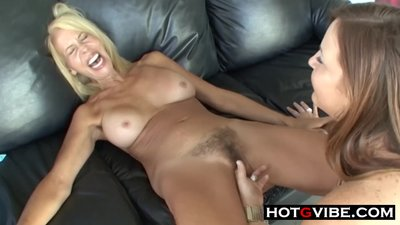 Mature MILF LESBIANS Licking Pussy and..
