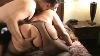 2 thick MILFs in a 3some (part 7)