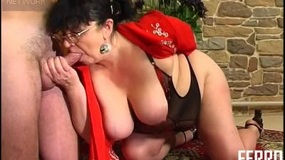 Guy Fucks BBW Mature aunt in stockings..