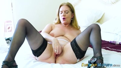 EuropeMaturE Sexy Mature Solos Hot..