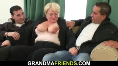 Boozed old granny getting double fucked
