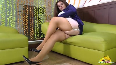 LatinChili Mature Chubby Fingering..