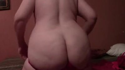 MATURE BBW WIFE HAVING SOME SOLO FUN
