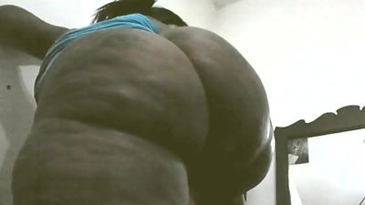 Thick sexy big booty black cougar..