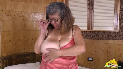 LatinChili fat bbw chubby Brenda toy..