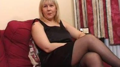 British Amateur Milf Toni - 1