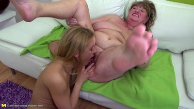 Granny havin rough lesbian sex with..