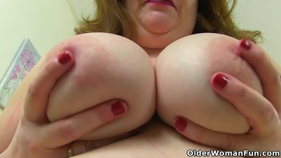 English milf Vintage Fox needs getting..
