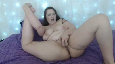Curvaceous mature Corinne with huge..