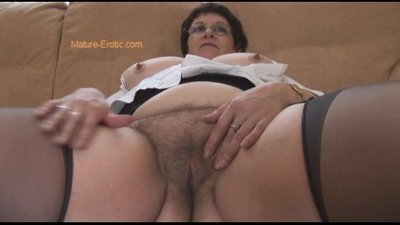 Busty Mature BBW showing off big hairy..