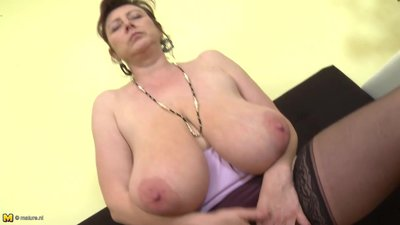 Gorgeous Czech mature mother with..