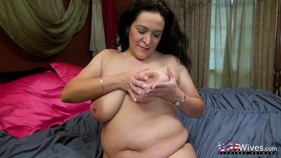 USAwives Super Seductive Mature Chubby..